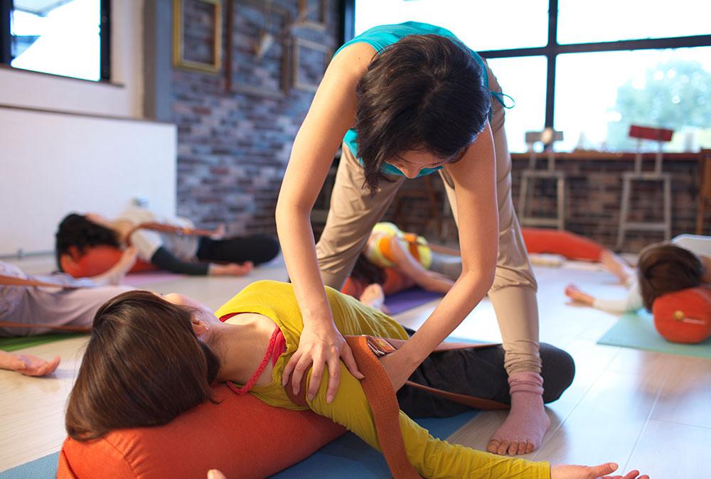 Hot Yoga Studio インストラクター